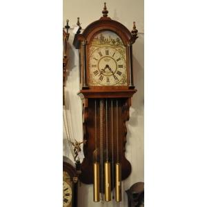 Часы настенные c мелодичным боем проданы